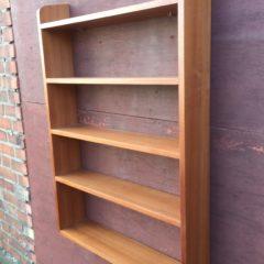 60er Jahre Bücherregal aus Teakholz